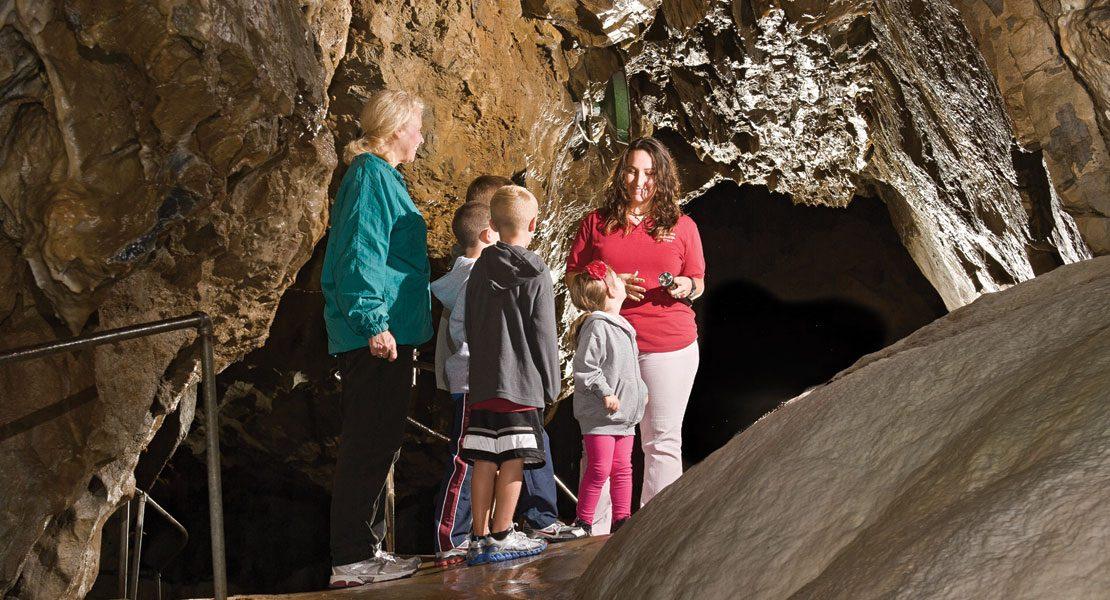 Lost River Caverns